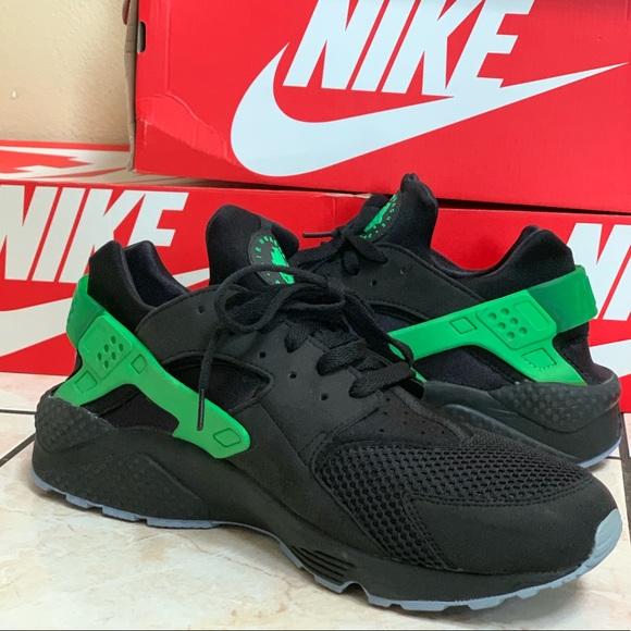 Men's Nike Huarache Size 13